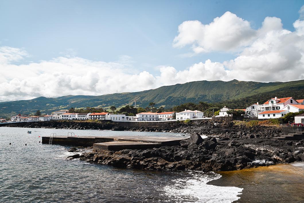 Le port de Sao Roque à Pico