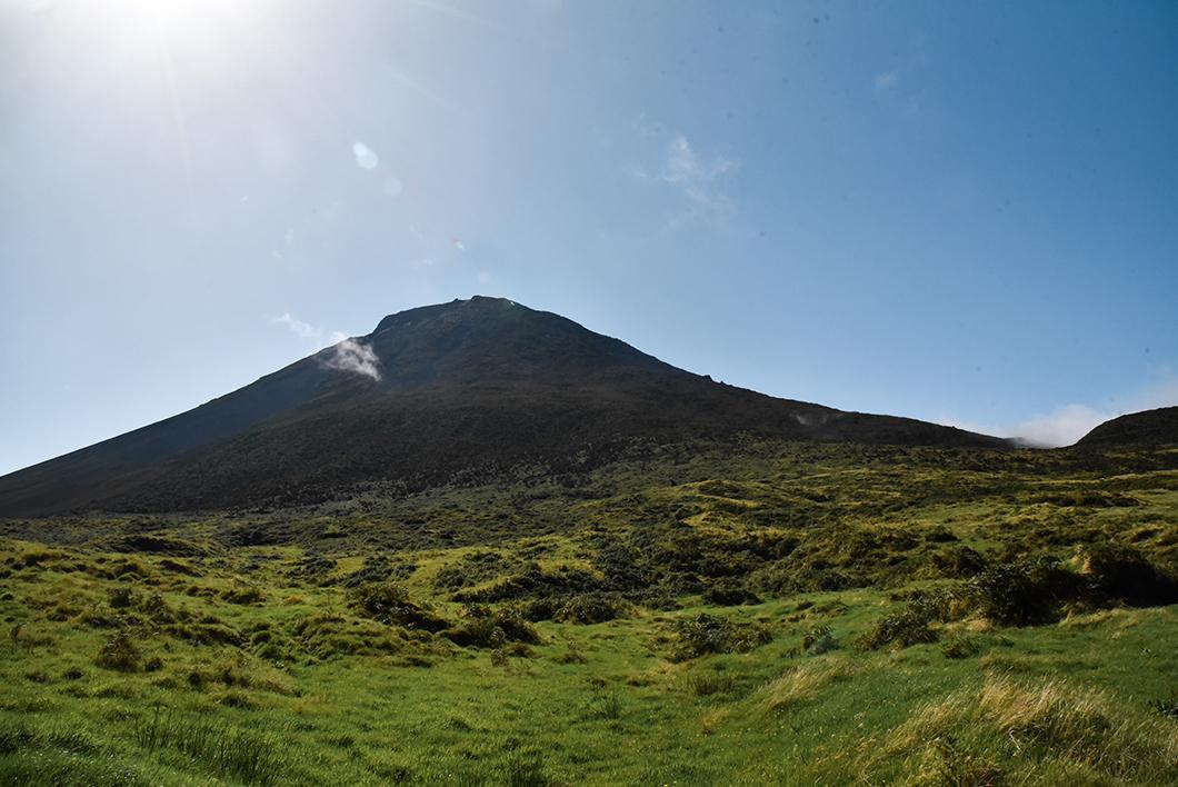 Admirer l'île de Pico depuis le Mont Pico