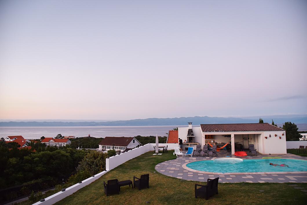 Le jardin e la piscine du Pico Dreams Sportfish, logement à Pico dans les Açores