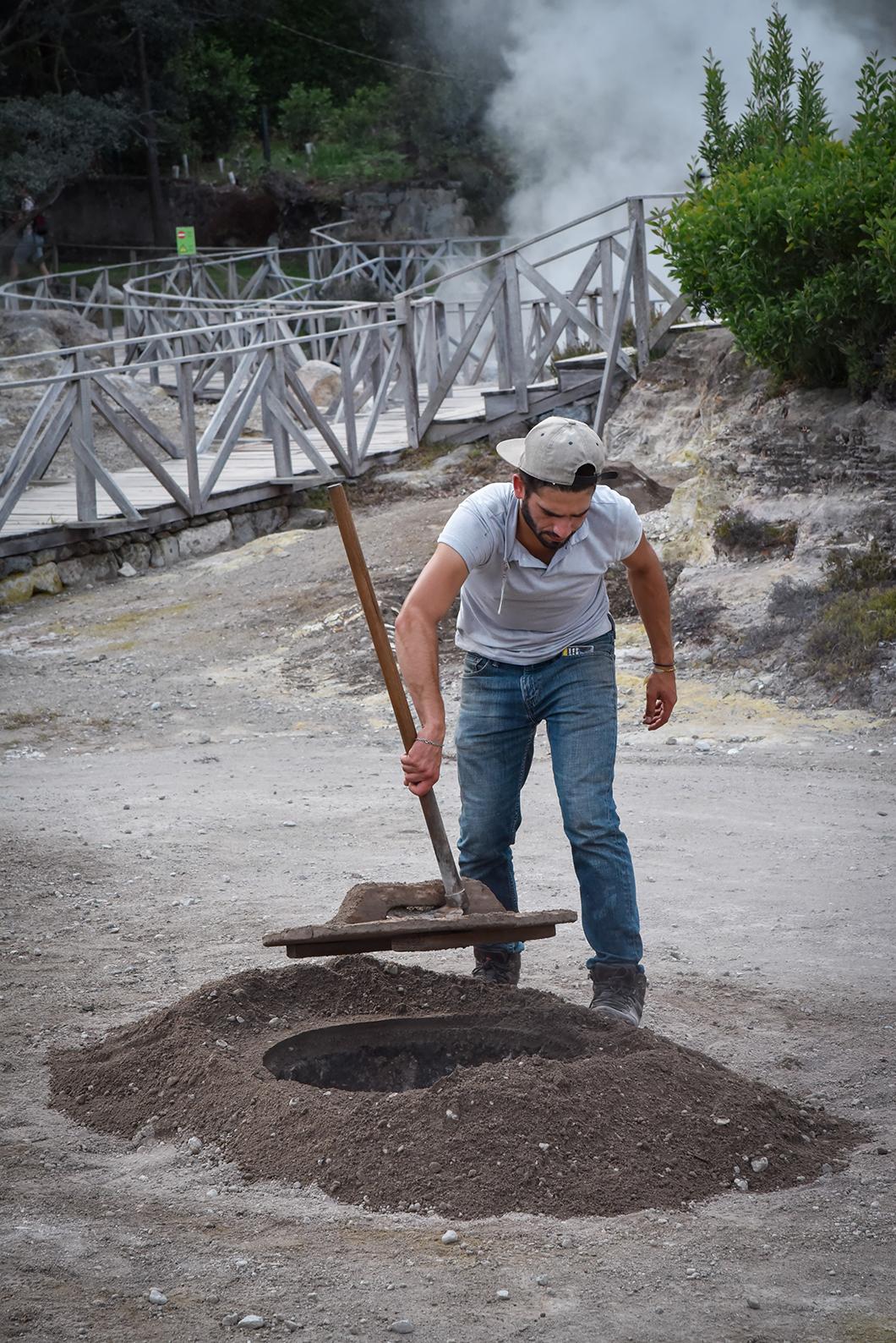 Découvrir la préparation du cozido dans les fumeroles de Furnas sur l'île de Sao Miguel