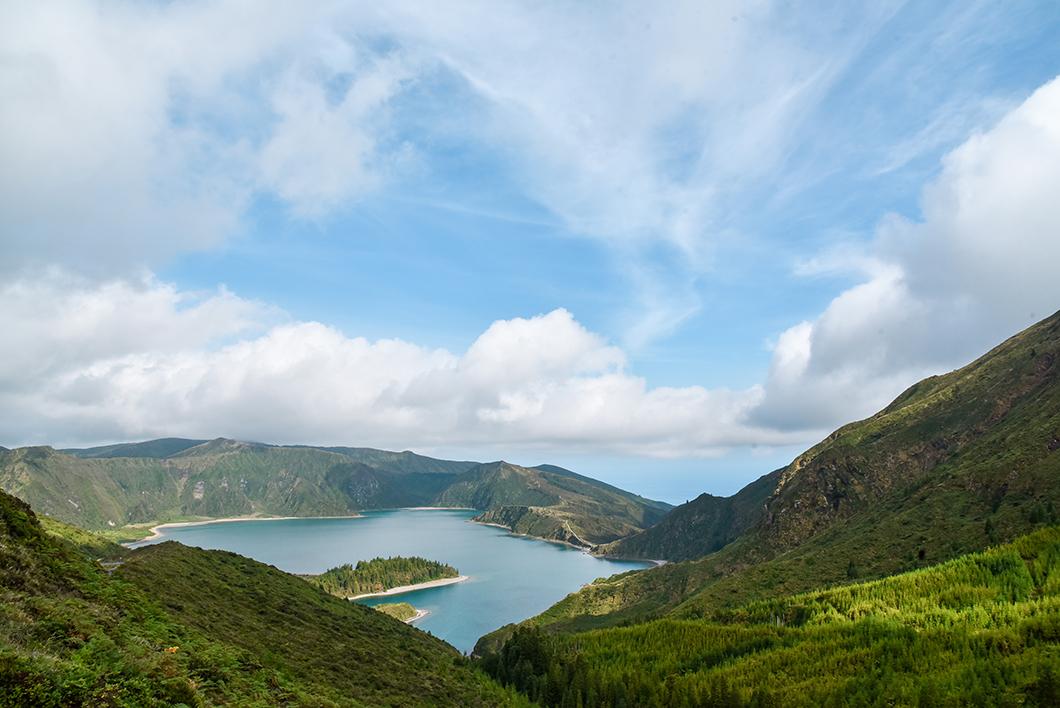 Lagoa do Fogo, point de vue incontournable sur l'île de Sao Miguel dans les Açores