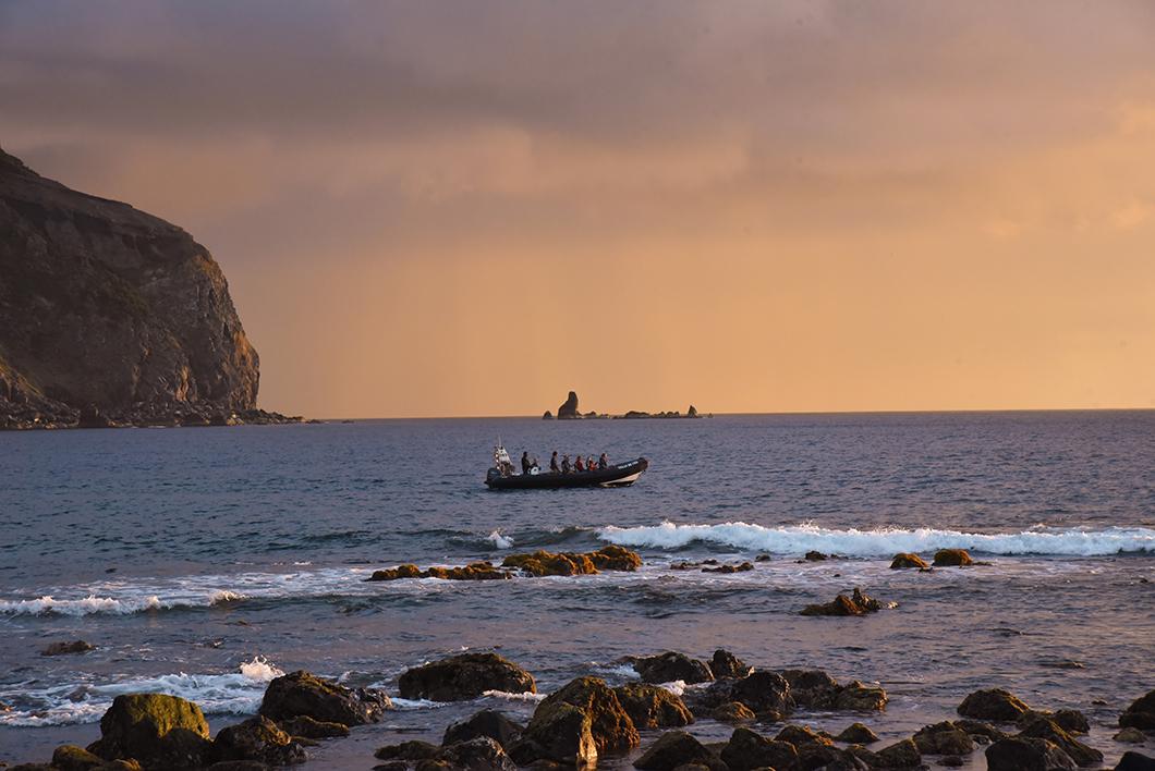 Que faire dans les Açores ? Admirer le coucher de soleil à Mosteiros