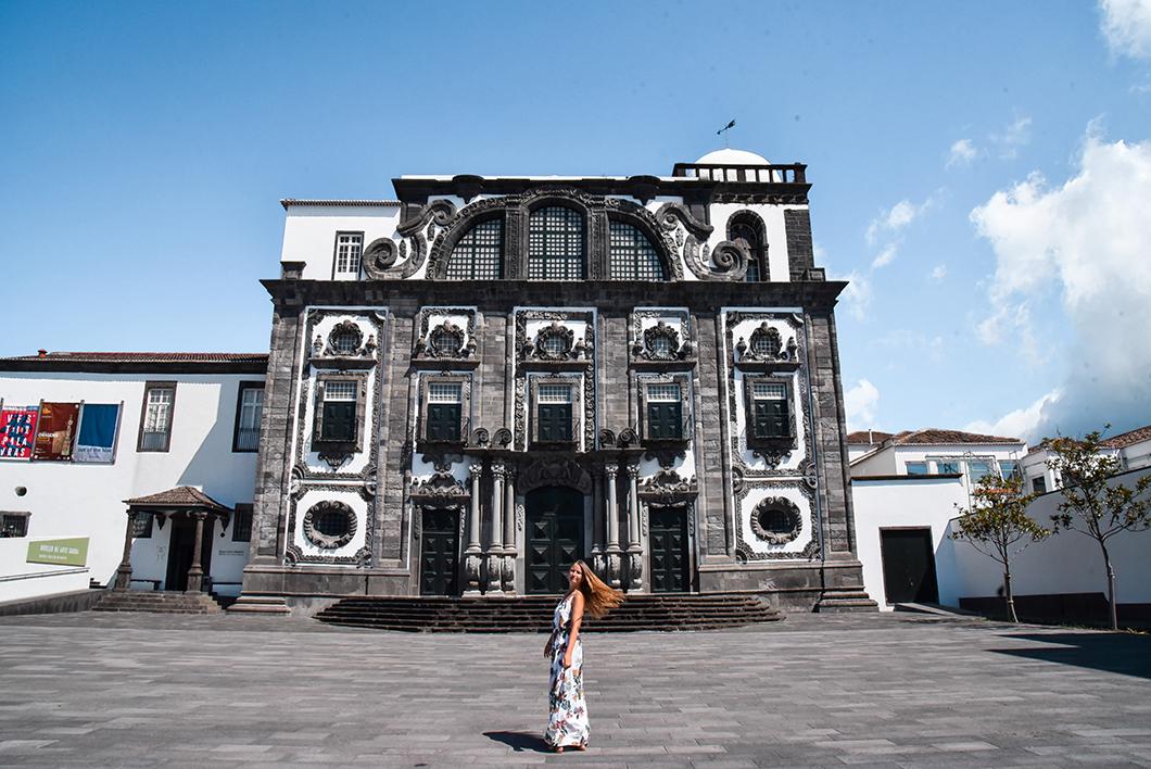 L'église de Sao Jose sur l'île de Sao Miguel dans les Açores