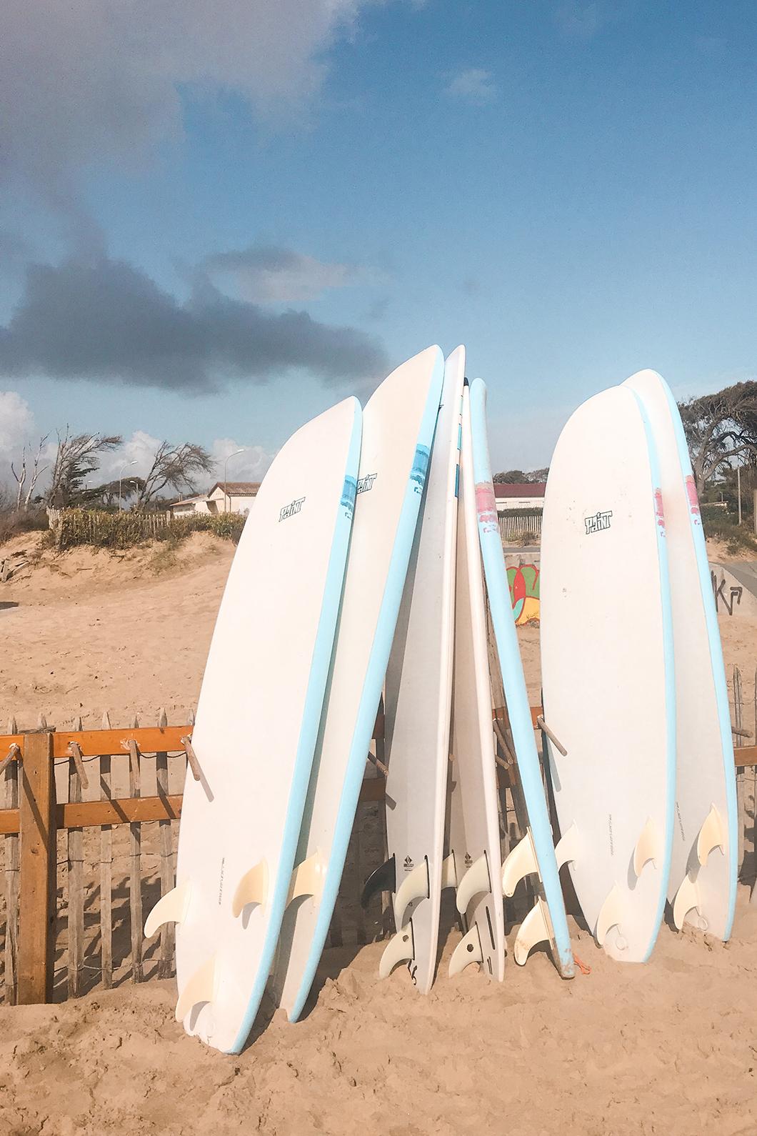 Faire du surf à Soulac, dans le Médoc Atlantique