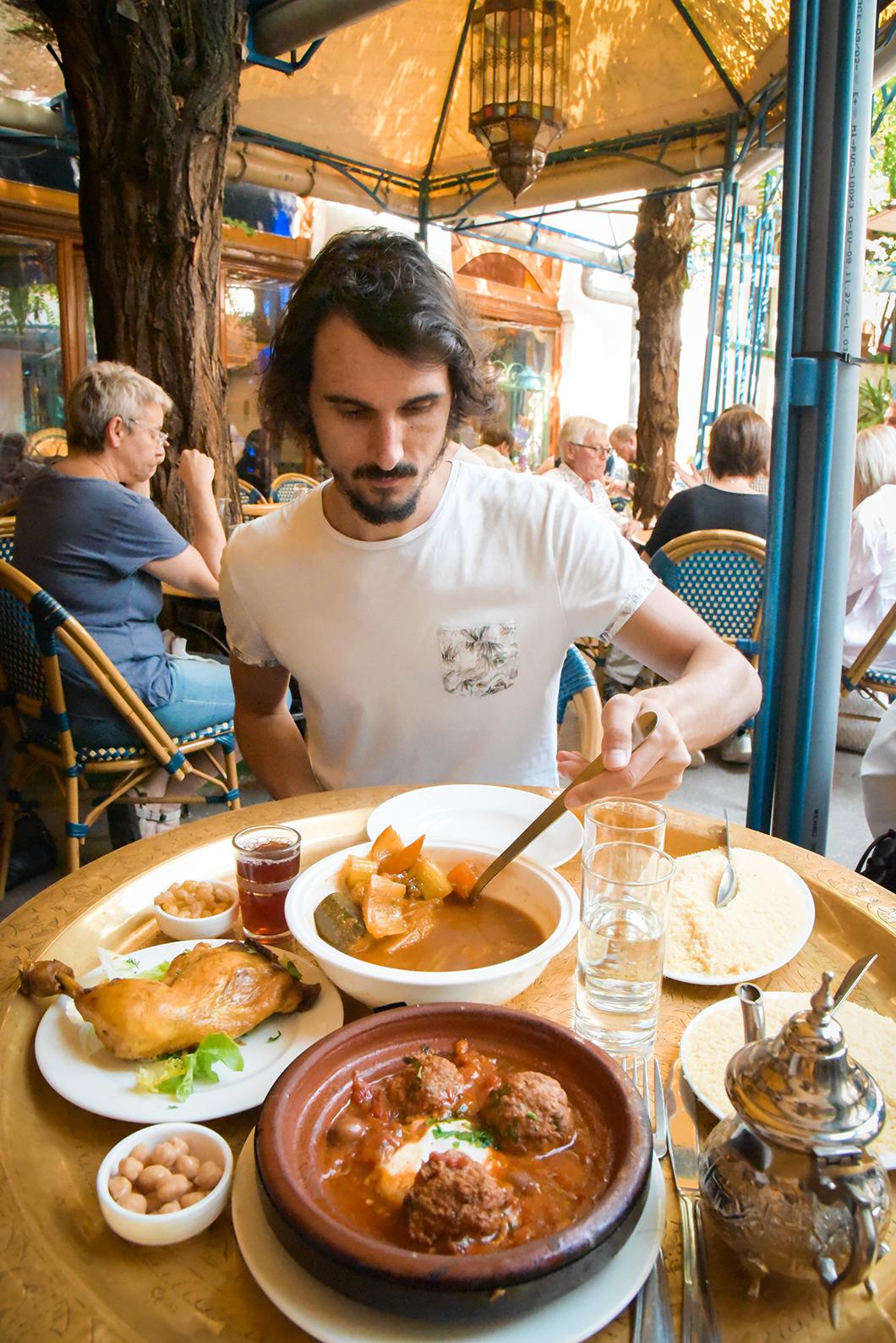 Manger au restaurant de la Grande Mosquée de Paris