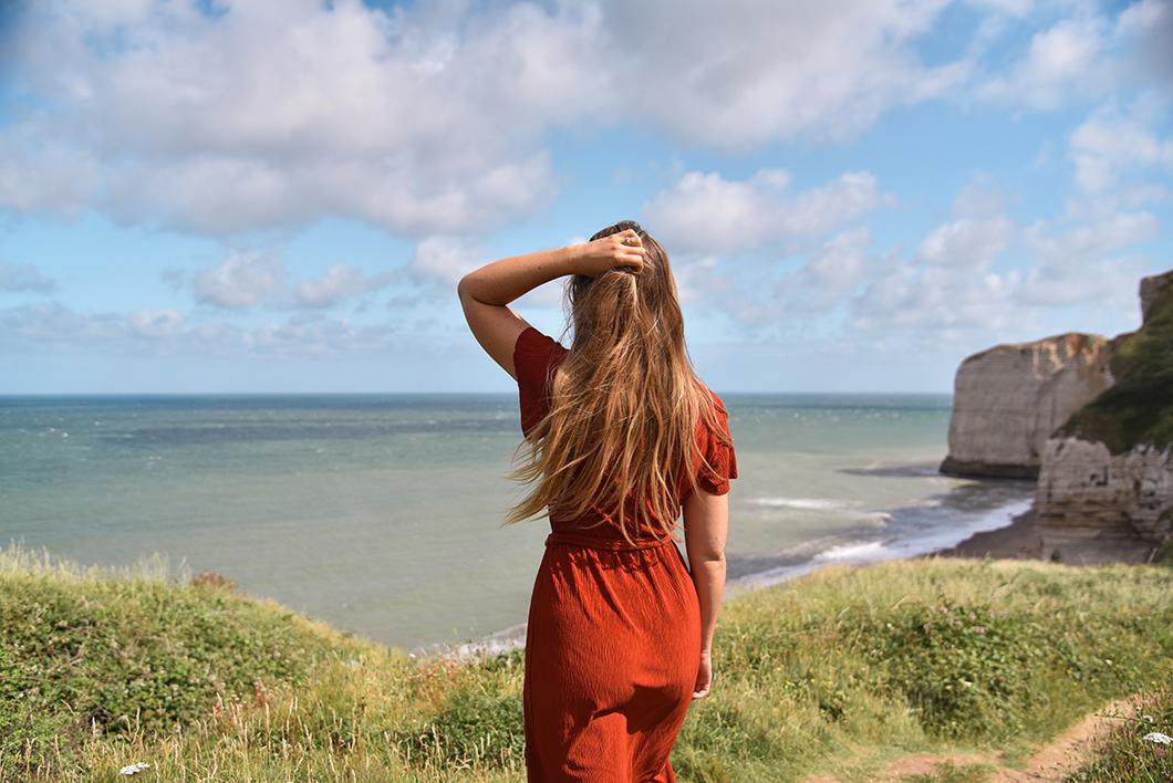 Point de vue sur la plage du tilleul à Étretat