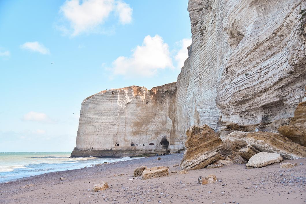 Visites incontournables à Étretat - la plage du tilleul