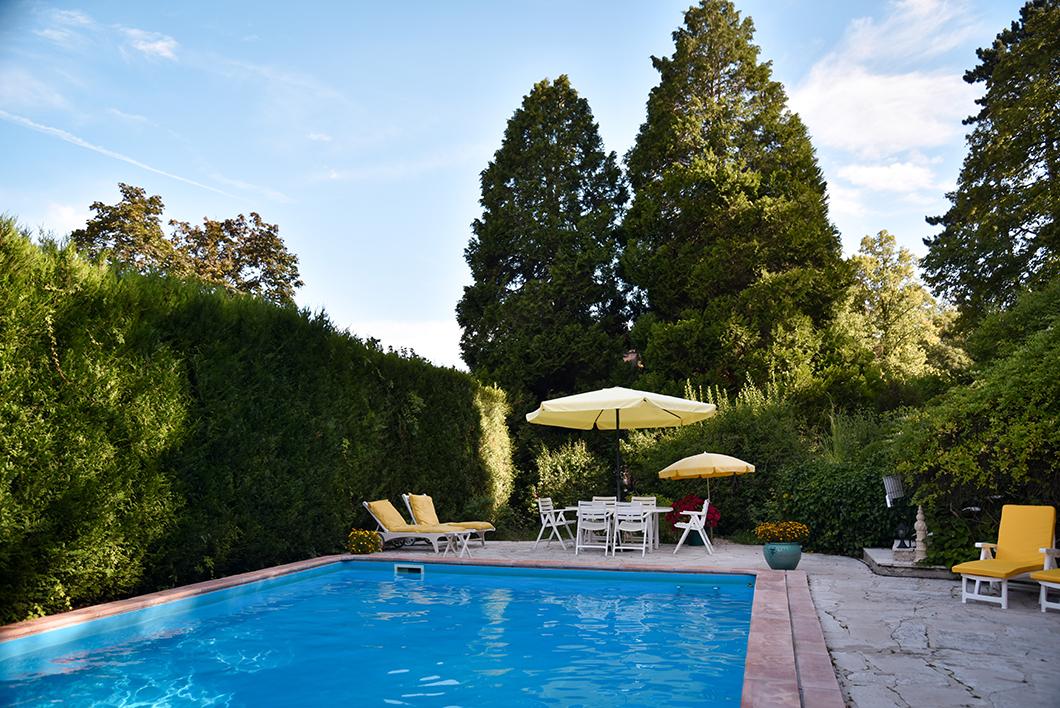 La piscine du Manoir des Cavaliers à Chantilly