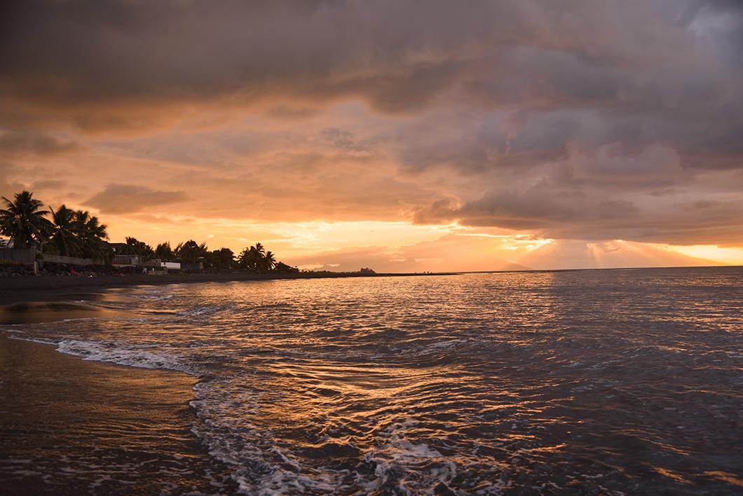 Où voir le coucher de soleil à Tahiti ? Tahiti Pearl Beach