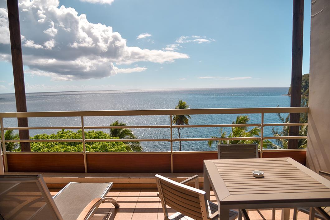 La suite premium en duplex à l'étage supérieur avec vue sur l'océan au Tahiti Pearl Beach