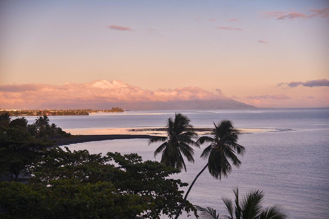 Lever de soleil à l'hôtel Tahiti Pearl Beach