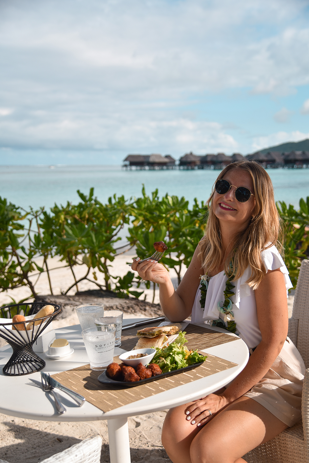 Manger au Beach Bar de l'hôtel Sofitel Ia Ora Beach