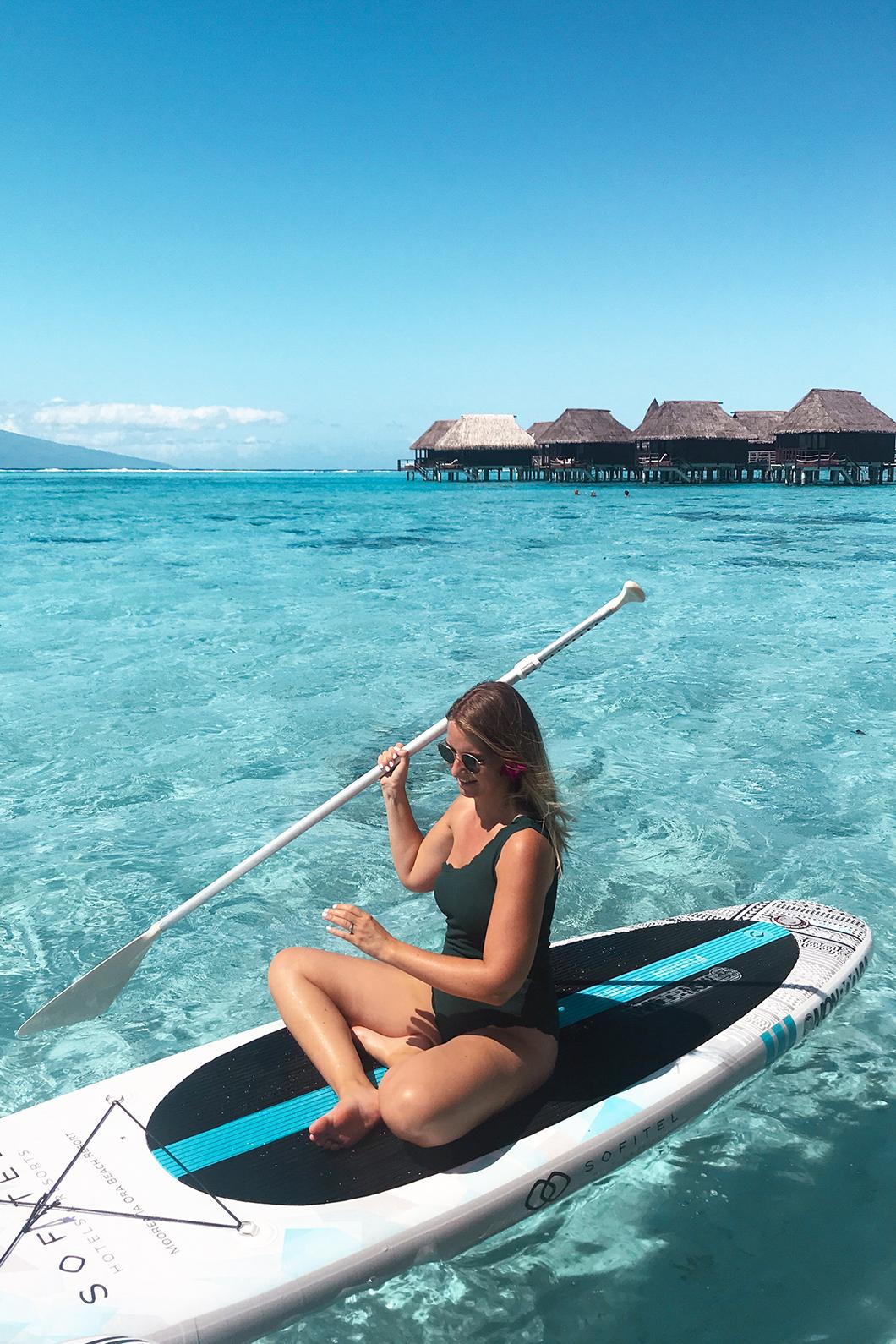 Paddle à la plage Temae de l'hôtel Sofitel Ia Ora Beach