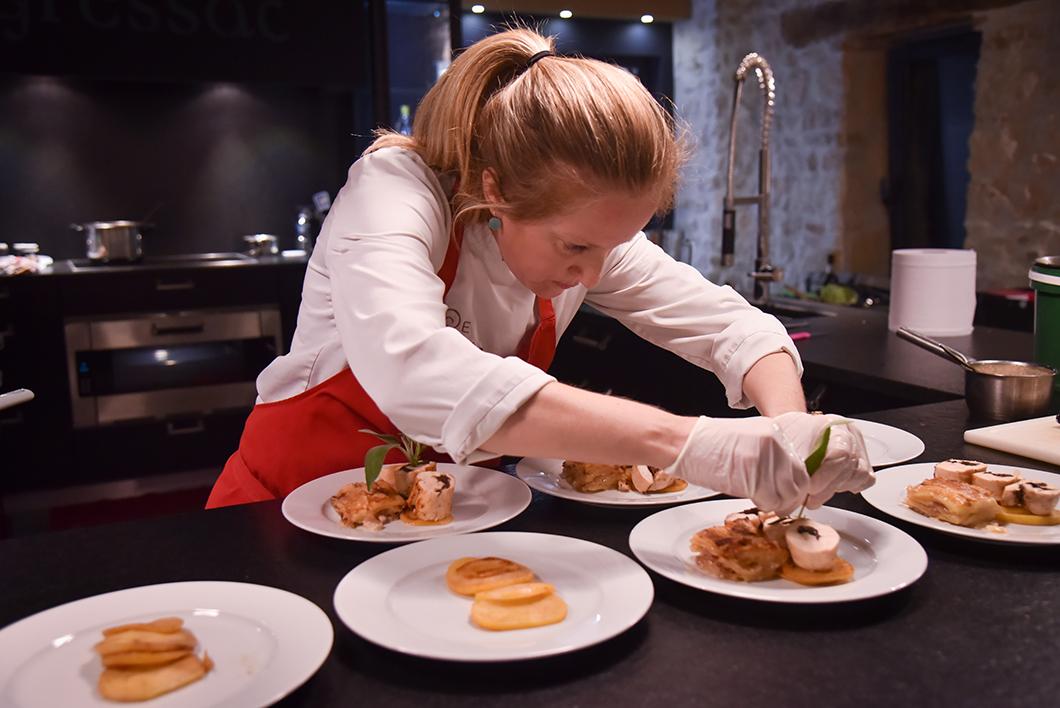 Cours de cuisine avec Delphine Jullien au Domaine de Gressac