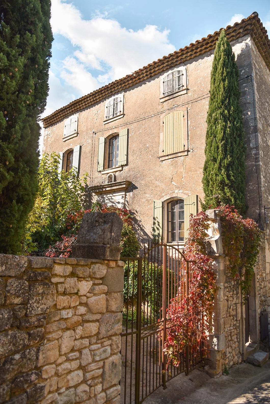 Balade au village de Montclus