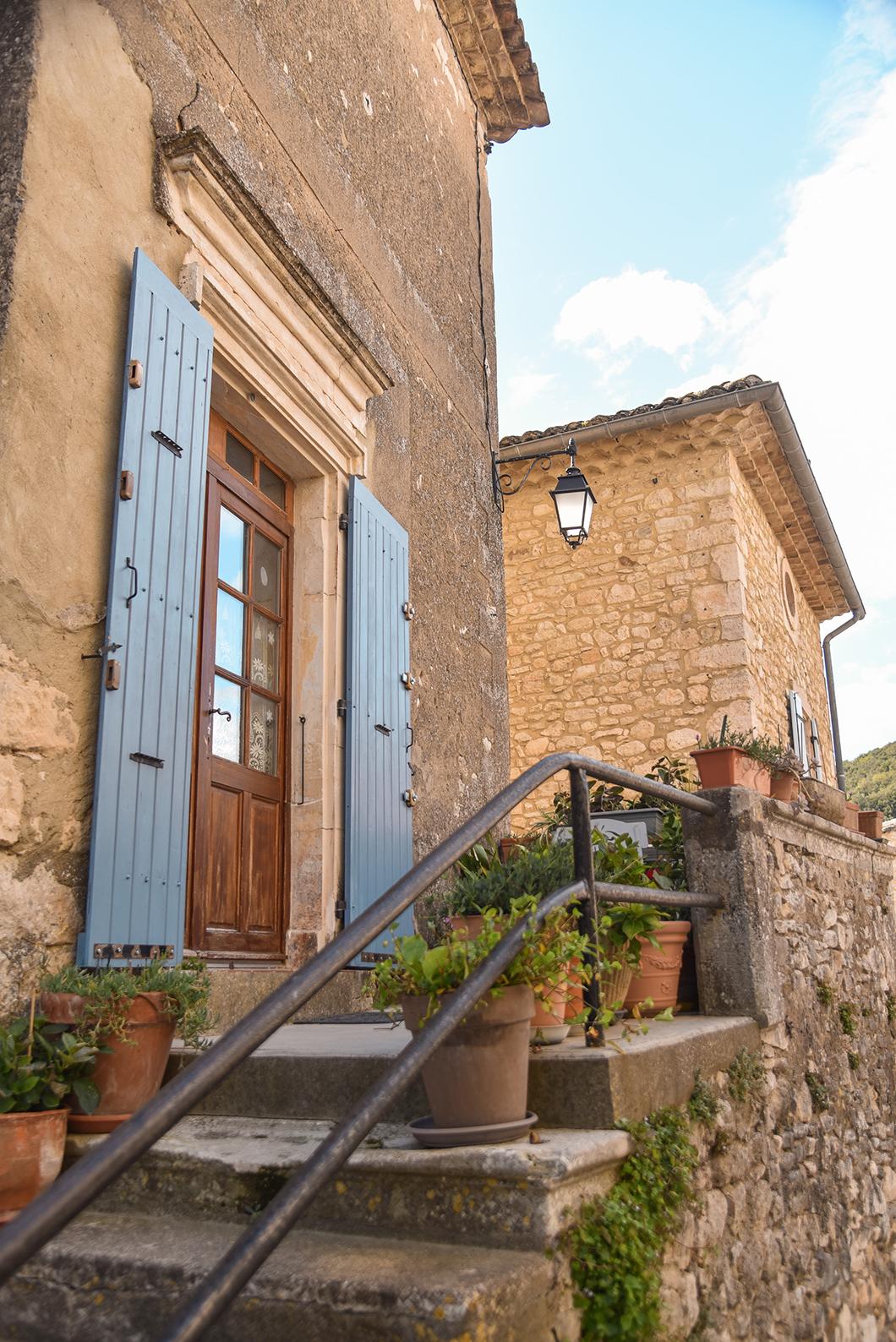 Balade à Montclus, l'un des plus beaux villages de France