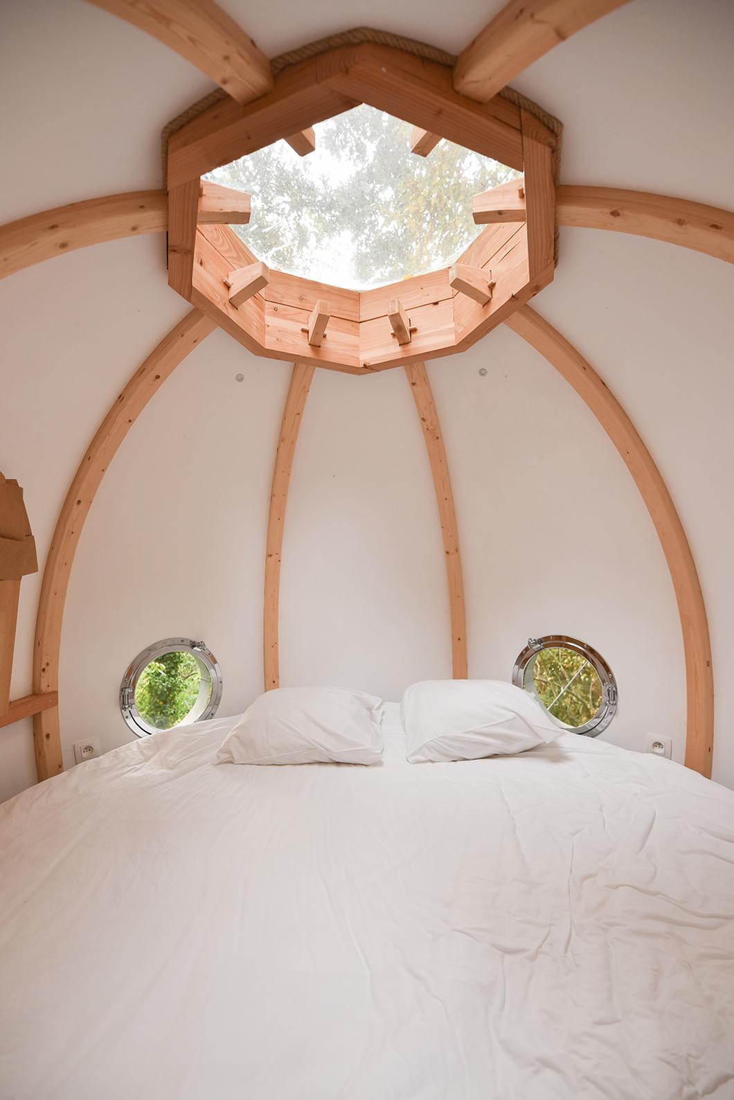 Dormir dans une cabane dans les arbres en France