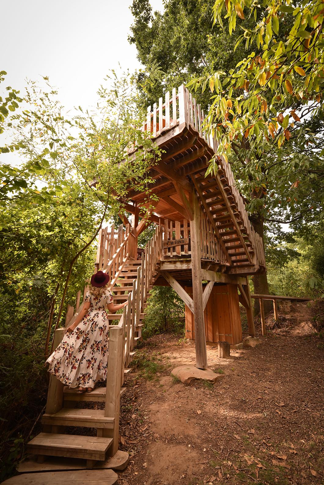 Dormir dans une cabane perchée dans les bois à côté de Paris