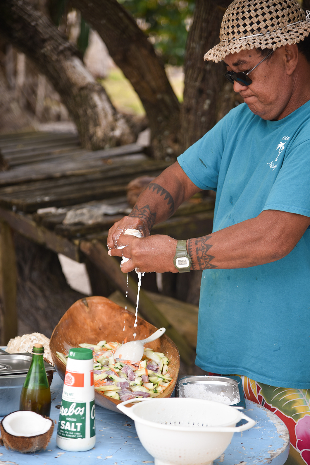 """Démonstration du poisson cru au lait de coco lors de l'excursion """"pique nique"""""""