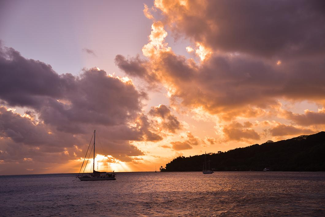Coucher de soleil à l'hôtel La Mahana en Polynésie Française