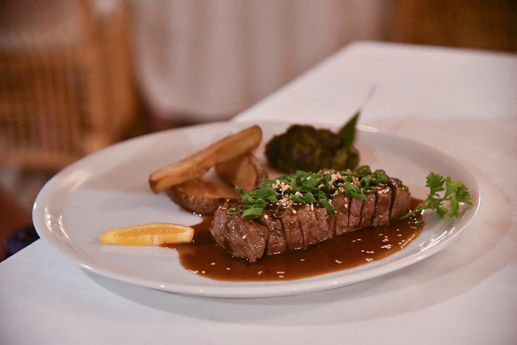 Restaurant l'hôtel Le Mahana, bonne adresse à Huahine
