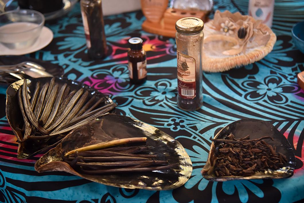 Visiter une vanilleraie à Huahine