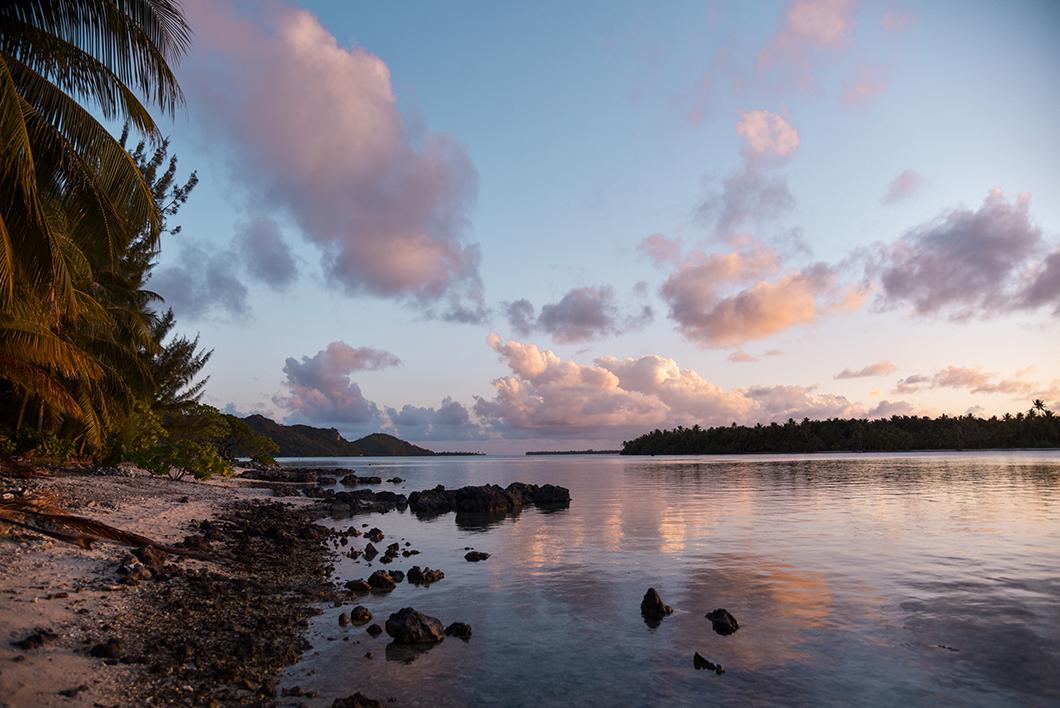 Se promener sur la plage du motu Pae'ao