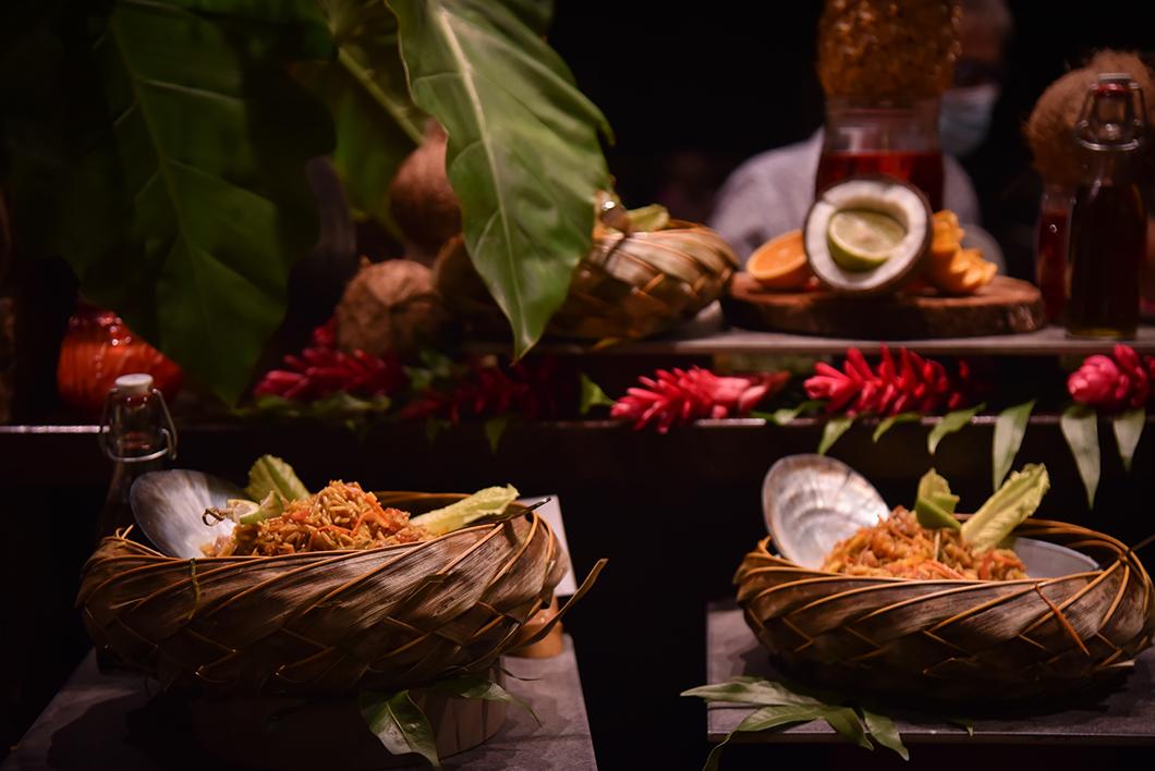 Goûter à la gastronomie polynésienne, incontournable en Polynésie Française