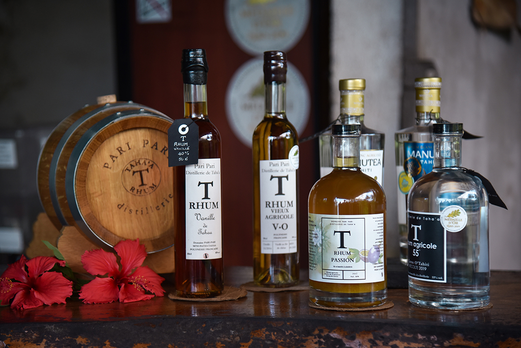 Visite et dégustation de rhum à la distillerie Pari Pari, incontournable à Taha'a