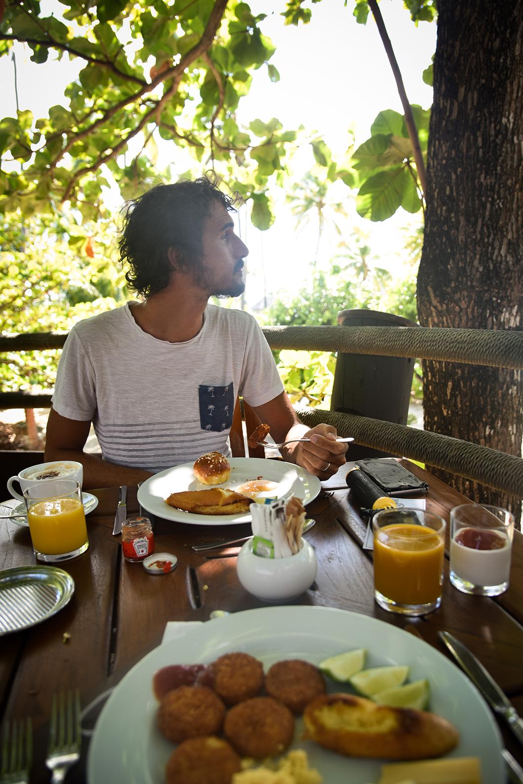 Petit déjeuner au Taha'a Island Resort and Spa