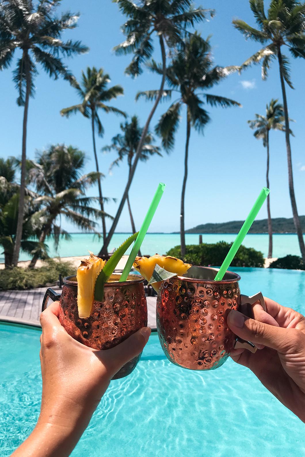 Bar de la piscine du Taha'a Island Resort and Spa