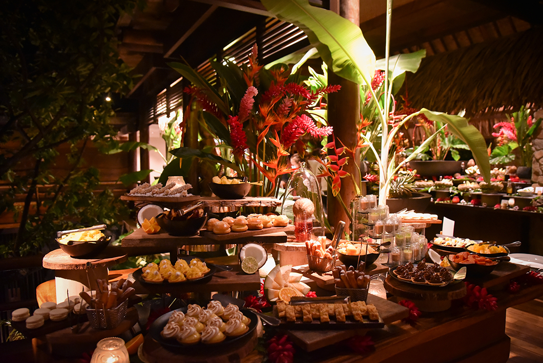 Buffet polynésien au Taha'a Island Resort and Spa
