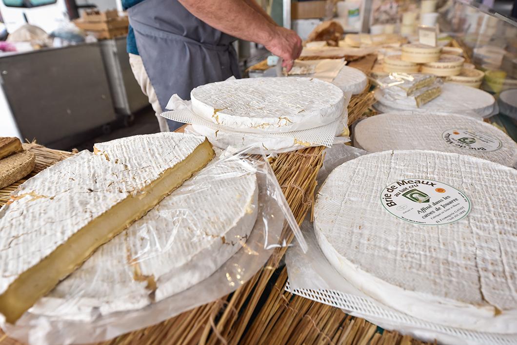 Brie au marché de Meaux