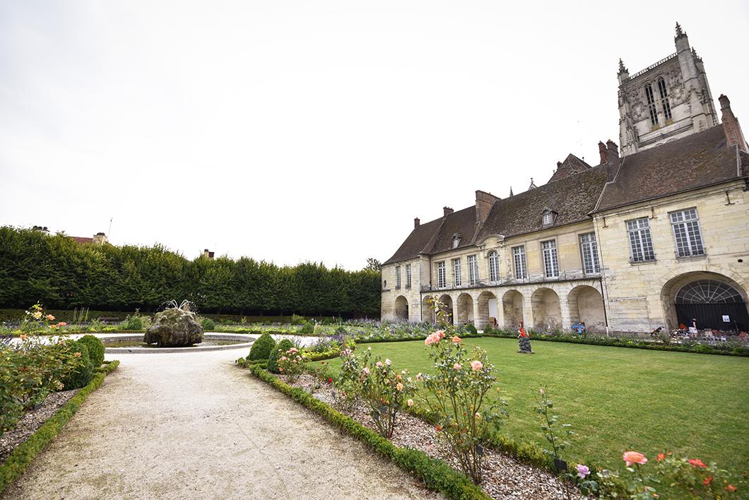 Balade dans le Jardin Bossuet, Incontournables à visiter à Meaux