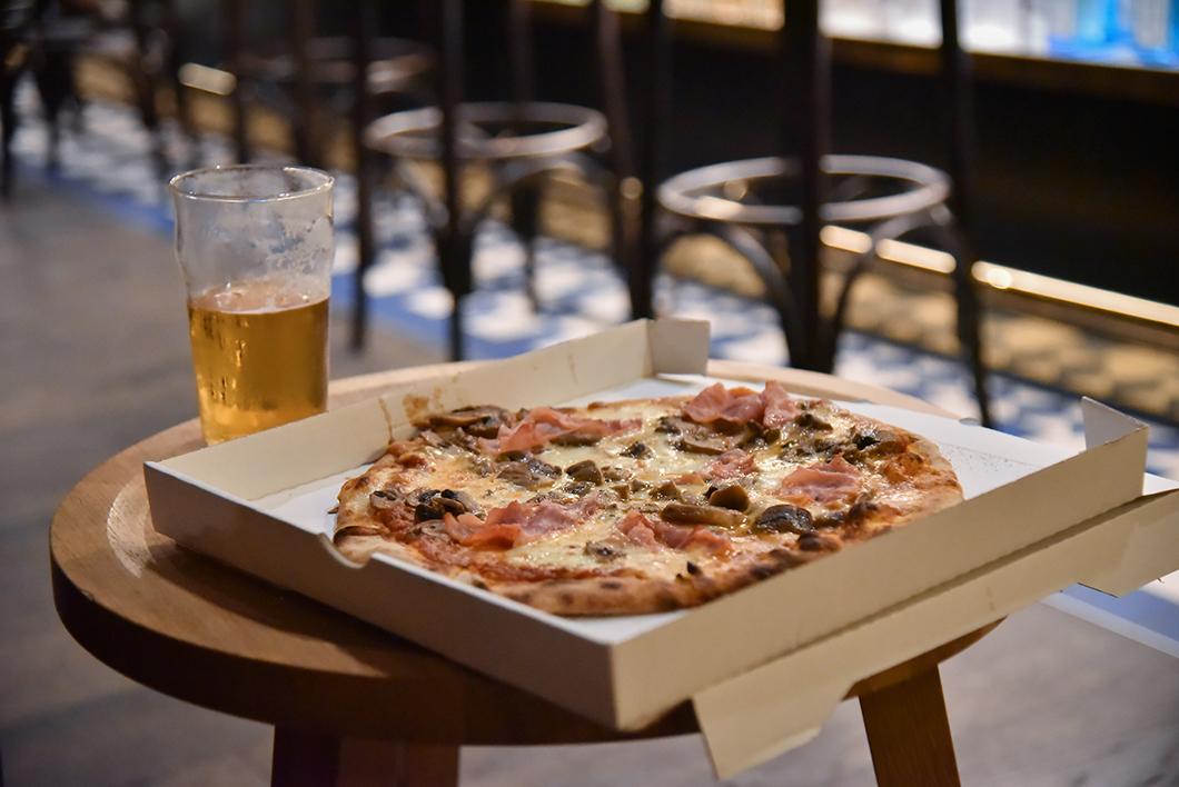 Manger des burgers et pizzas au Rocky Pop à Chamonix