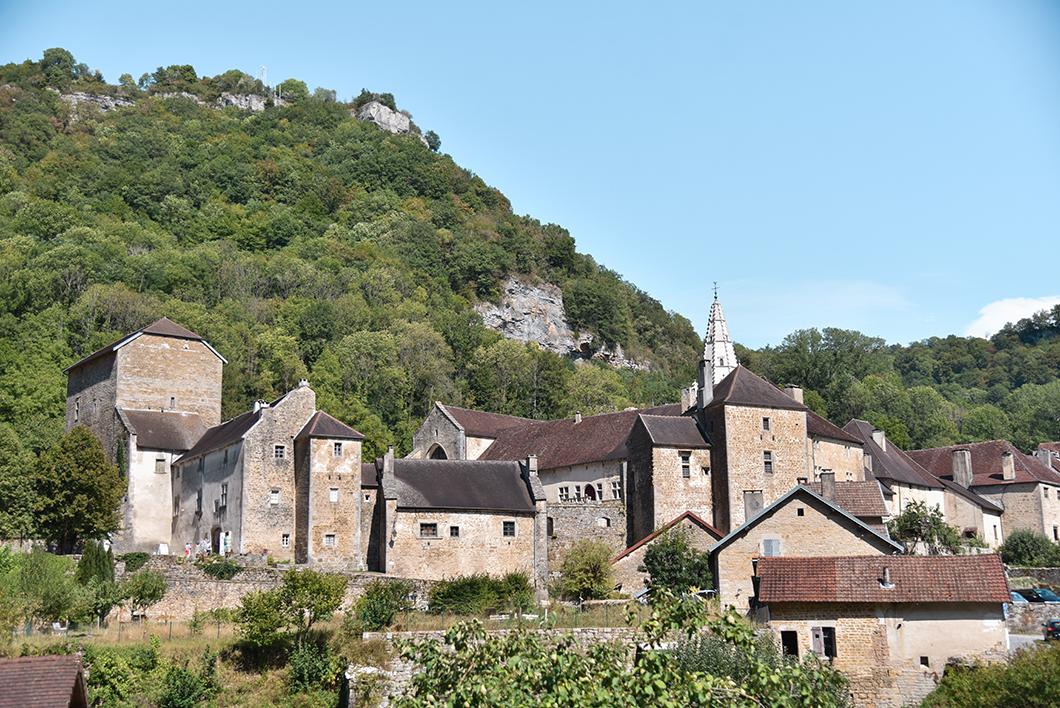 Baume-les-Messieurs, un des Plus Beaux Villages de France