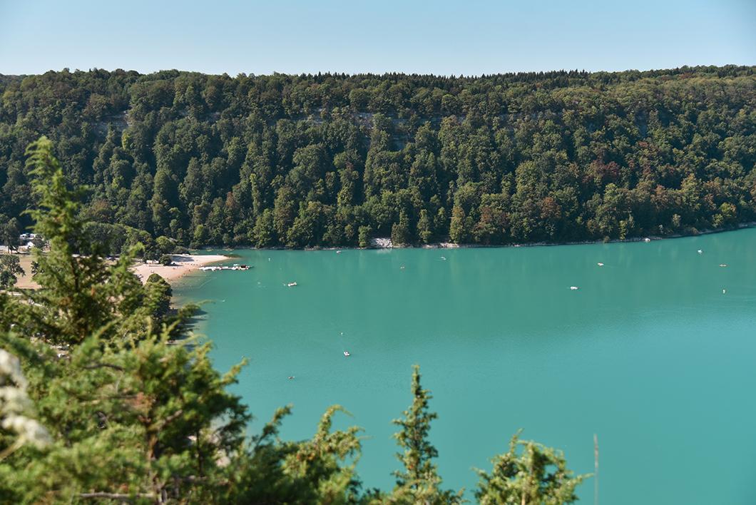 Le Lac de Chalain, lac incontournable dans le Jura
