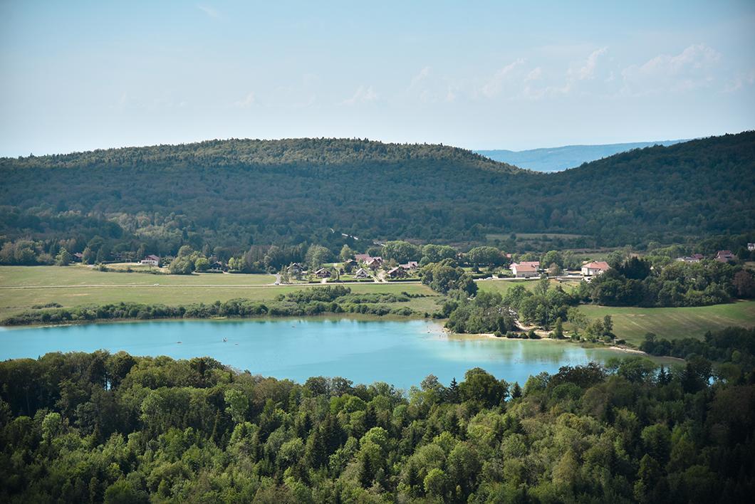 Aller au Belvédère des 3 lacs, incontournable dans le Jura