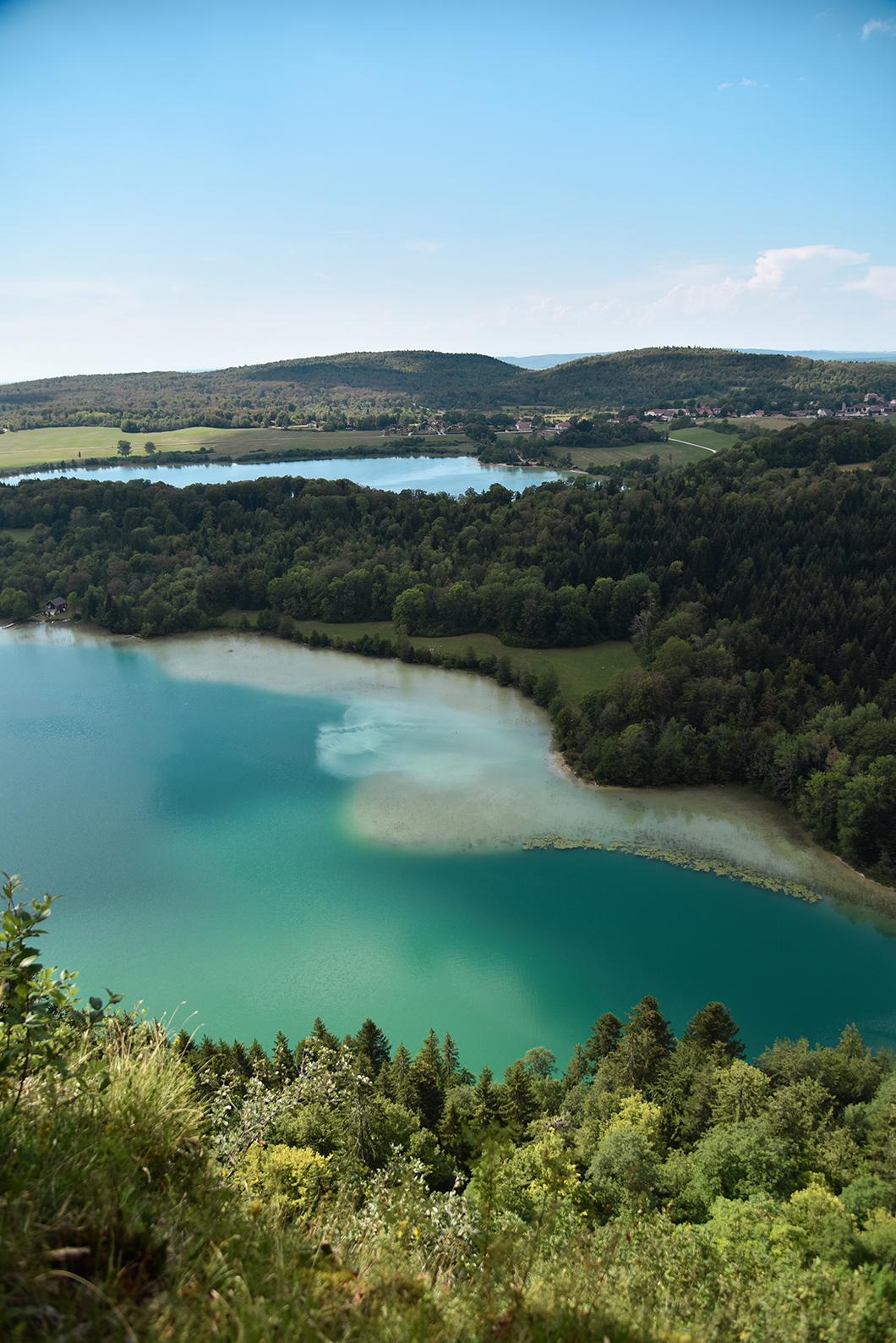 Le Belvédère des 4 lacs, plus beau point de vue sur les lacs du Jura