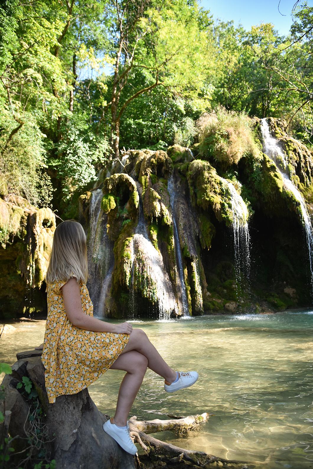 Que visiter dans le Jura ? Balade à la Reculée des Planches et à la Cascade des Tufs à Arbois