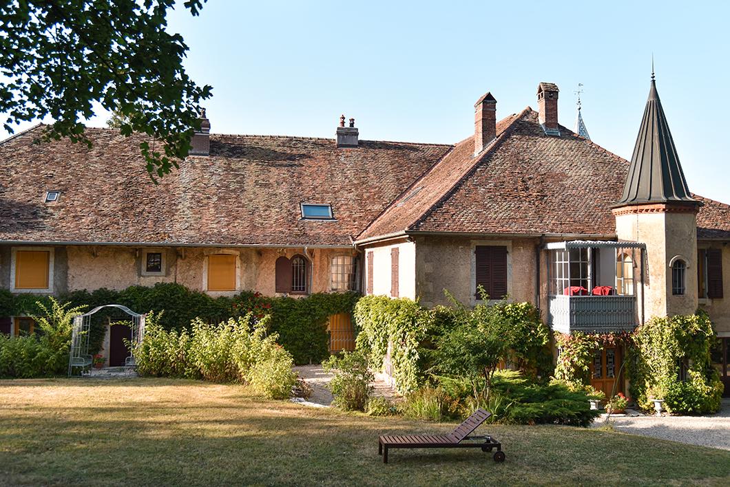 Où séjourner lors d'un road trip dans le Jura ? Le Gîte du Mont Poupet à Marnoz