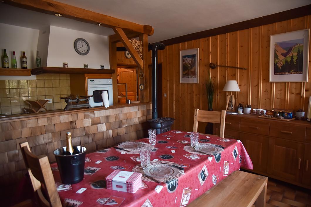Où dormir dans le Jura ? Le Gîte du Mont Poupet à Marnoz