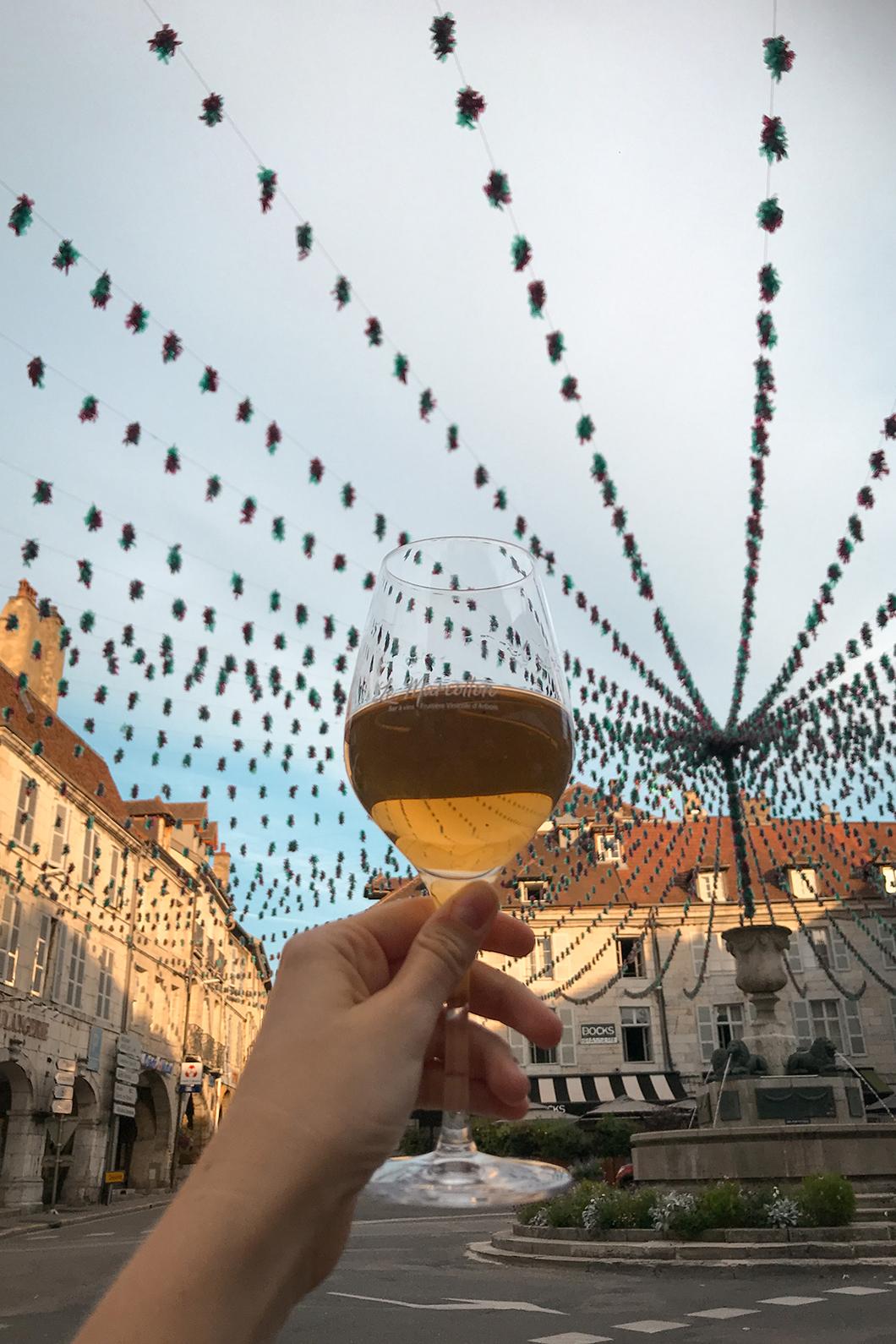 Goûter le vin jaune, Incontournable à faire à Arbois