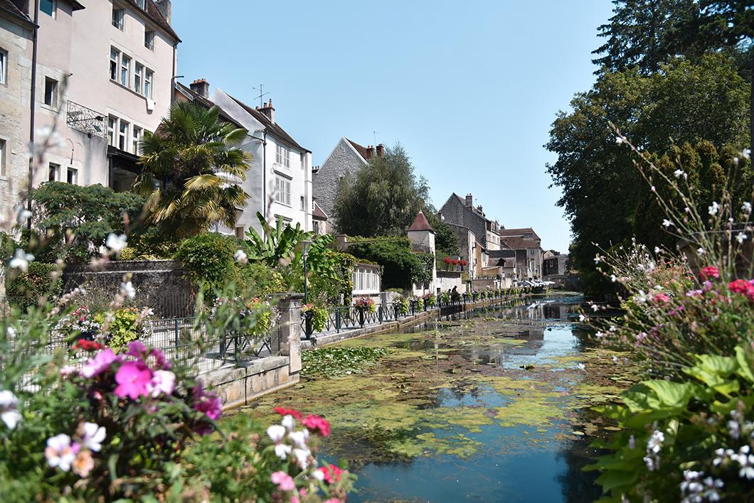 Découvrir le Canal des Tanneurs, Incontournables à visiter à Dole
