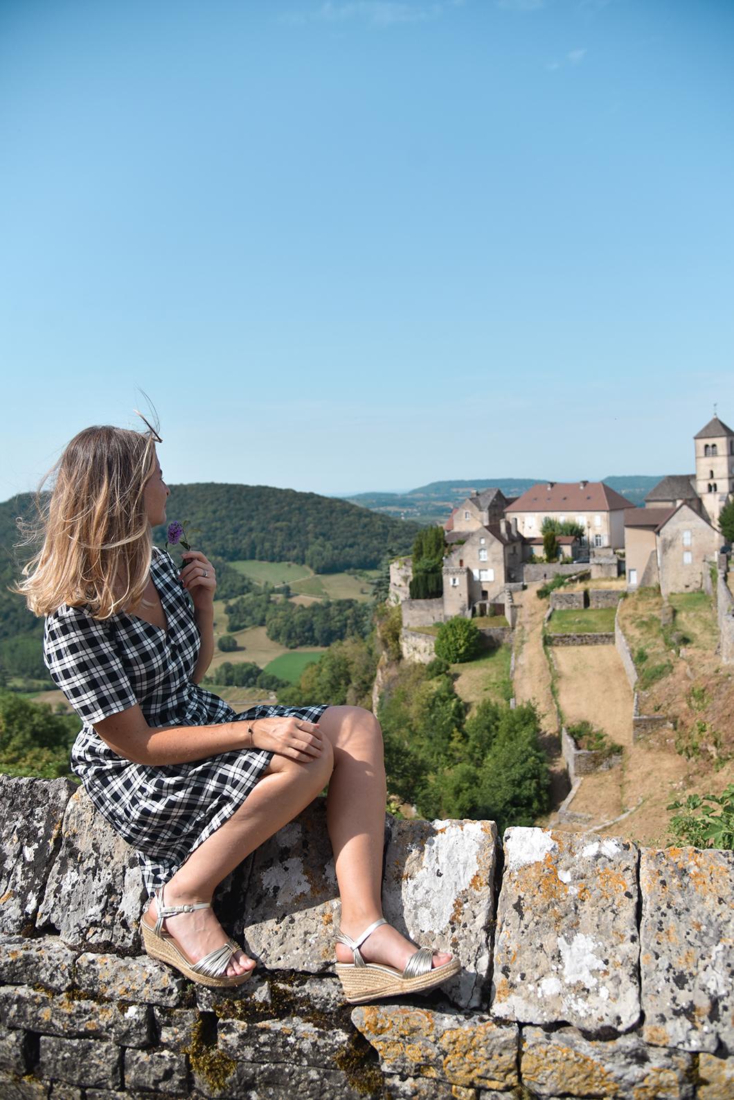 Le village perché de Château-Chalon, incontournables dans le Jura
