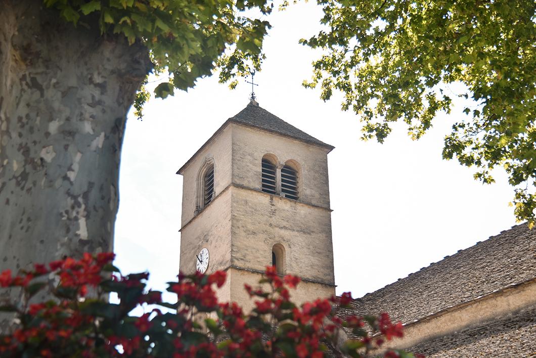 La Place de l'Eglise, visite incontournables à Château-Chalon