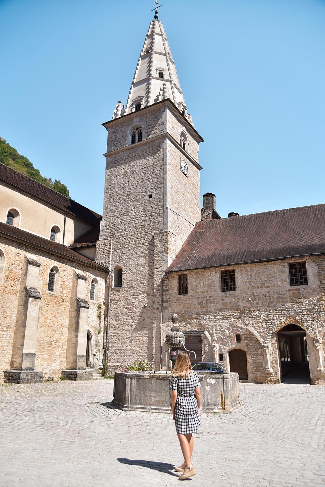 Découvrir l'Abbaye Impériale, Incontournables à visiter à Baume-les-Messieurs