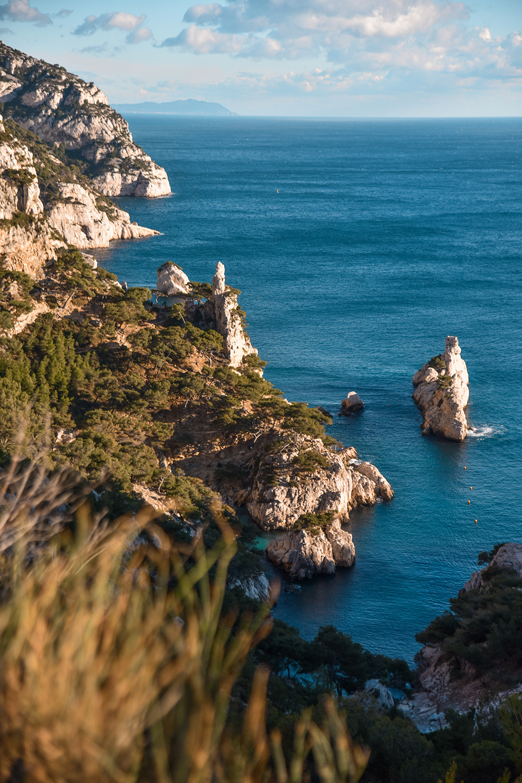 Aller à la Calanque de Sugiton, incontournable à Marseille