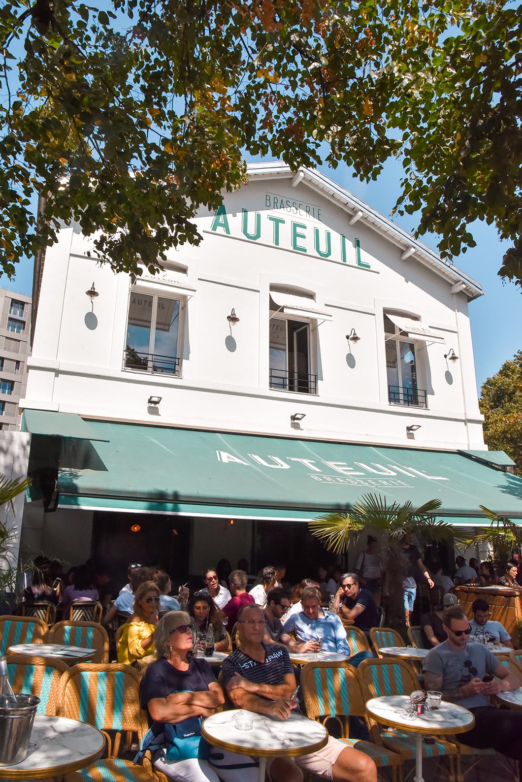 Déjeuner sur la terrasse de la Brasserie Auteuil à Paris