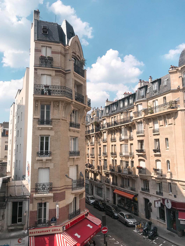Randonnée à Paris sur la petite ceinture dans le 15eme arrondissement